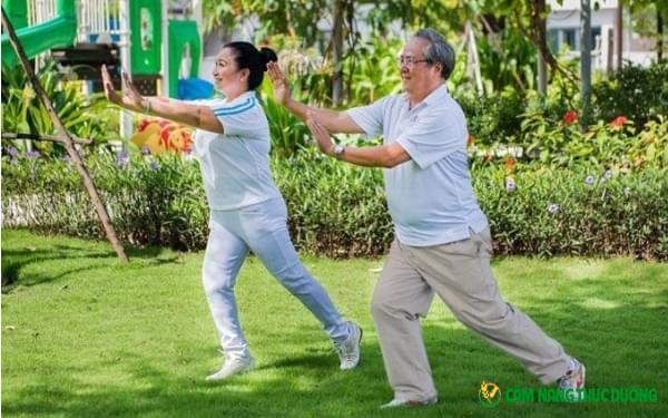 thể dục dưỡng sinh người cao tuổi